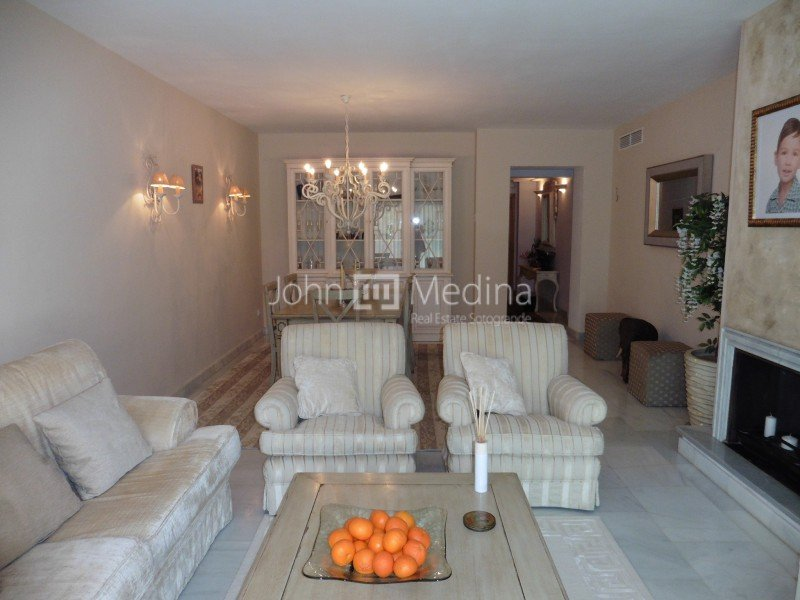 MODERN LUXURY APARTMENT IN THE MARINA COMPLETELY REFORMED